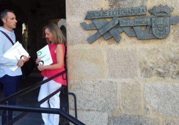 Reunión con  Don  Guillermo Fernández Vara, Presidente de la Junta de Extremadura.